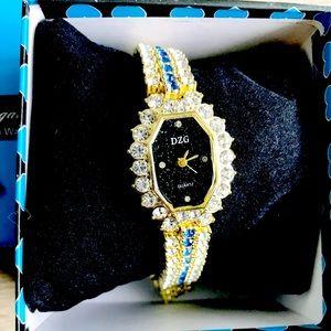 🎀 New Elegant Luxury Dress Watch Diamond Zircon
